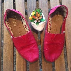 Toms Flats Red